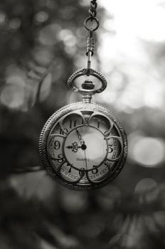 Pocket watch by FumiChaaan