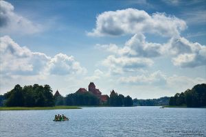 Trakai Castle II by rici66