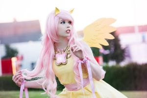Fluttershy Cosplay - My little Pony by KawaiiTine