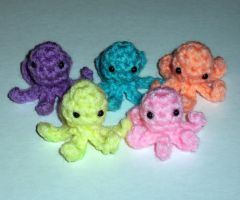 Tiny Baby Squidlets by happysquidmuffin