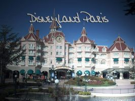 Disneyland Paris by halconrojo2006