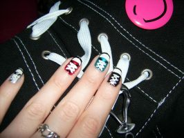 Converse Nails by xXLukiraXx