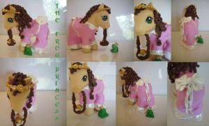 My little Pony Custom Frog Pr. by BerryMouse