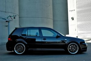 VW Golf 2.8 4Motion Ph.Sh 3 by Kverna