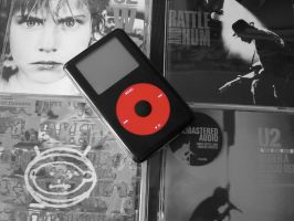 Apple iPod 4G 20GB U2 SE by vinciART