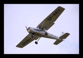 Spotting Cessna 152 by MarcinG1