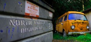 Junkbus Dumpster by canvasproductions