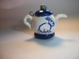 Tea Pot charm by QueenAliceOfAwesome