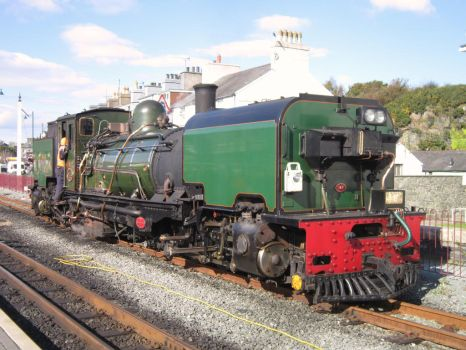 Welsh Highland Garratt NGG16 143, Porthmadog by DaveOnTheRails