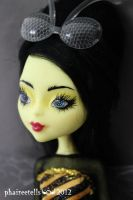 Monster High Bee Girl custom repaint portrait by phairee004