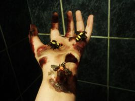 Bioshock Bee hand by bluebrids
