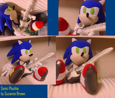 Rockin' Sonic Plushie by ShadowStanEnvy