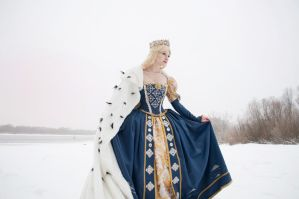 Mistress of winter lake by AgnessBlanvradica