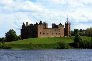Linlithgow Palace by amyhooton