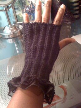 first attempt at gloves by superchibiting