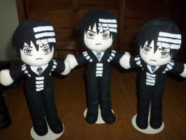 Death the Kid Plushies by TashaAkaTachi
