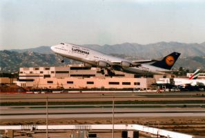 D-ABVD Lufthansa 744 Take-Off @ LAX by IFlySNA94