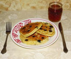 Blueberry Buttermilk Pancakes with Maple Syrup by Kitteh-Pawz