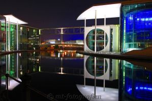 Mirror beauty in the night 3 by MT-Photografien