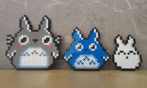Totoro and his little friends by RavenTezea