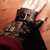 Fem Toddy glove things! by RomanoSconeScout