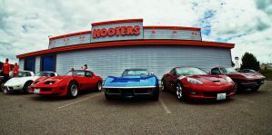 Hooters n Vettes by tundra-timmy