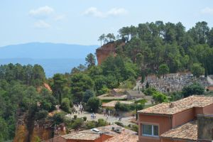 Roussillon village and Small Colorado of Provence by A1Z2E3R