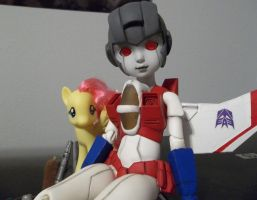 Mod Jobs - Starscream + her Pegasister by Marexen