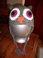Owl beanie - purple eyes by Sasophie