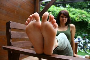 Franzi sole focus by foot-portrait