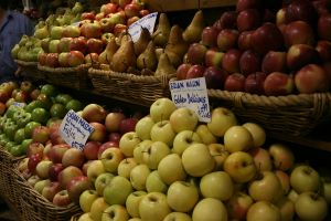 Apples and Pears by newdystock