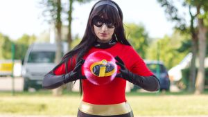 Miss Incredible : Force Field by Muralu