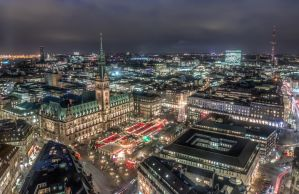 Hamburg Town Hall with Christmas Market by DeejayMD