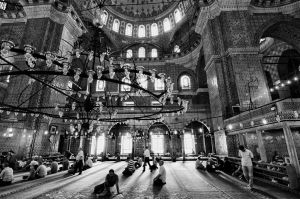 Inside Eminonu Mosque by TanBekdemir