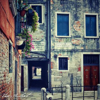 Venice Streets by IsacGoulart