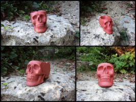 Stiletto red skull ashtray by LaddeDadde