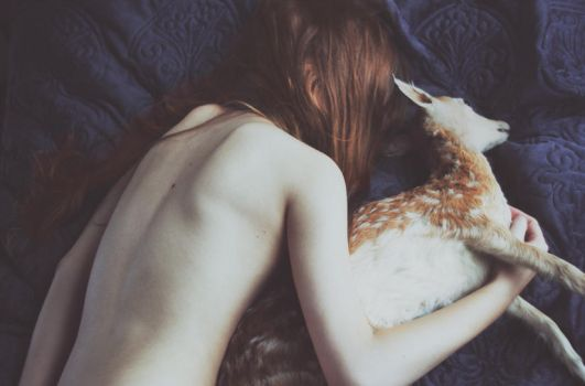 Fairy tale about a girl who.. by laura-makabresku