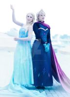 Elsa Two Sides by demonic-black-cat