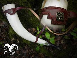 Leather strap for viking drinking horn by Noir-Azur