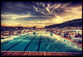 Twisting by the Pool HDR by ISIK5