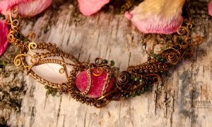 Necklace 'Morning in the rose garden' by Madormidera
