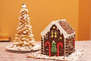 Gingerbread Chalet and Shortbread Christmas Tree by LamieG