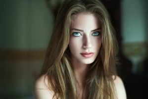 Diana 02 by idaniphotography