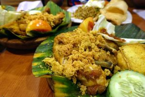 Indonesian Smashed Fried Chicken by nosugarjustanger