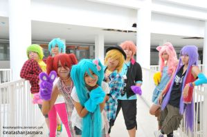 Vocaloid - Hang out by NatashAngellina