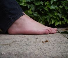 My Feet Outdoor by KarinaDreamer
