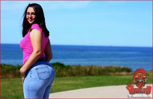 Cape Breton Booty Babe 001 by UncleDAssman