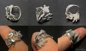 Frog Ring by Dans-Magic