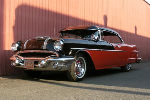 1956 Pontiac by finhead4ever