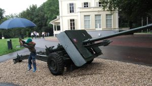 17 pounder at Airborne Museum by c4mper